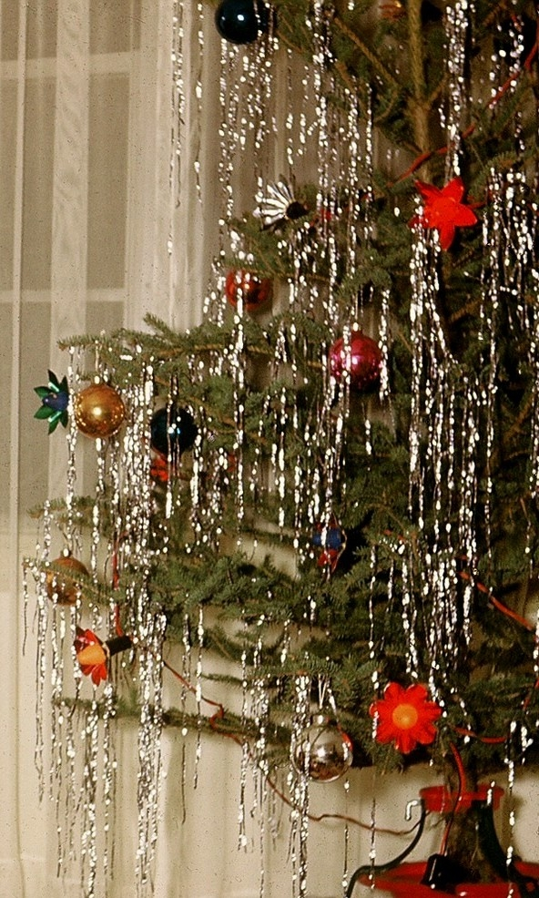 Vintage Christmas Tinsel Time Susies Tie One On Aprons - Best Christmas Moment